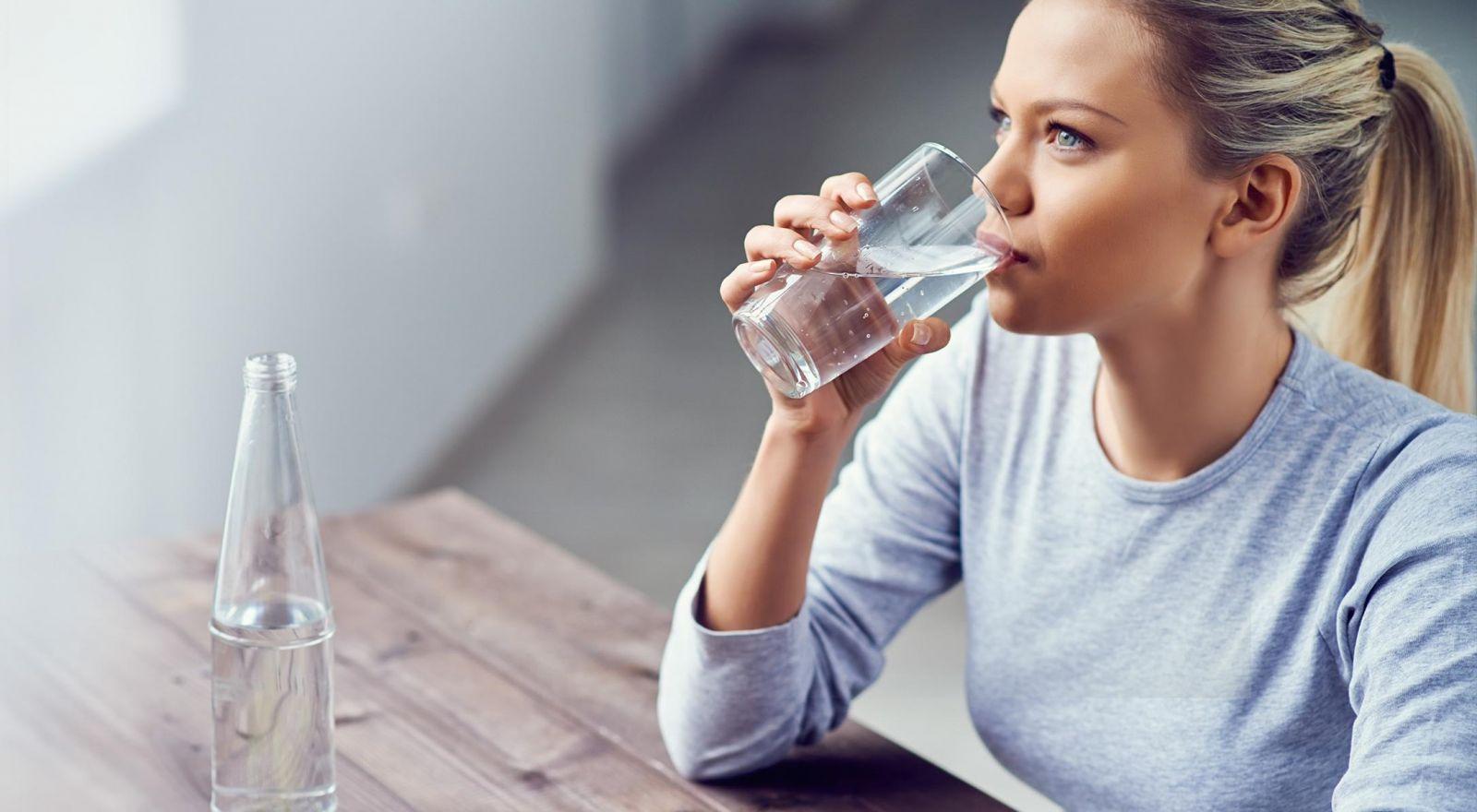 Đánh con gì khi gặp giấc mơ thấy uống nước?
